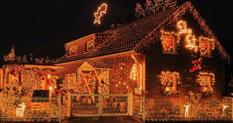 weihnachtsdeko am mietshaus besinnlicher lichterglanz als. Black Bedroom Furniture Sets. Home Design Ideas
