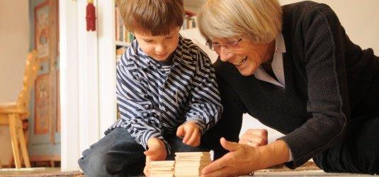 Kind Lehnt Oma Plötzlich Ab
