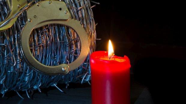 Weihnachten In Handschellen.Weihnachtsamnestie Für Bis Zu 2 000 Gefangene