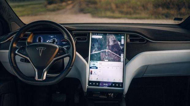 Autobauer: Gericht untersagt Tesla Werbung für seinen