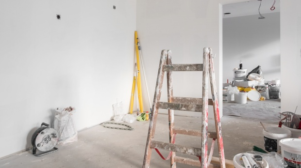 BGH-Verhandlung zu Schönheitsreparaturen: Wer streicht eine unrenoviert angemietete Wohnung?
