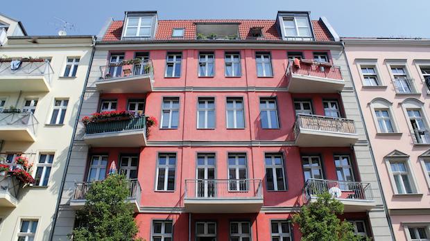 BVerfG sieht keine schweren Nachteile für Vermieter: Karlsruhe weist Eilantrag gegen Berliner Mietendeckel ab