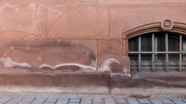 BGH zu Sanierungspflichten einer WEG: Anspruch auf trockene Wände im Altbau