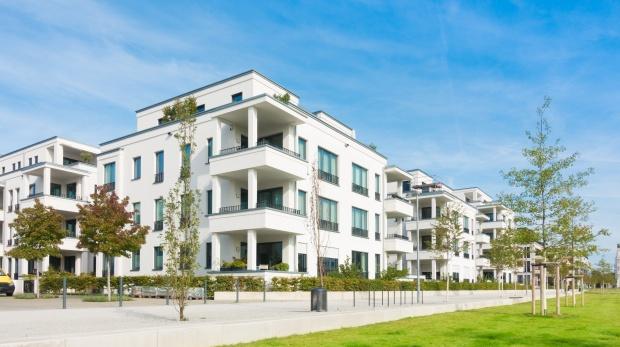 BGH zu kurzzeitiger Vermietung von Wohnungen: Was die WEG-Mehrheit nicht verbieten kann