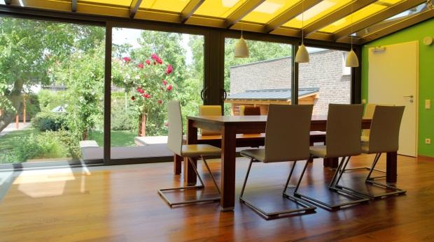 die esszimmereinrichtung ist keine b roeinrichtung. Black Bedroom Furniture Sets. Home Design Ideas