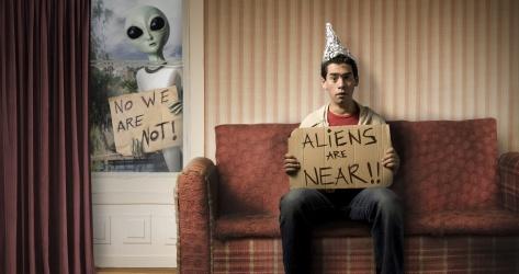 Klage wegen ufo-akten : parlamentarische alien-forschung vor gericht